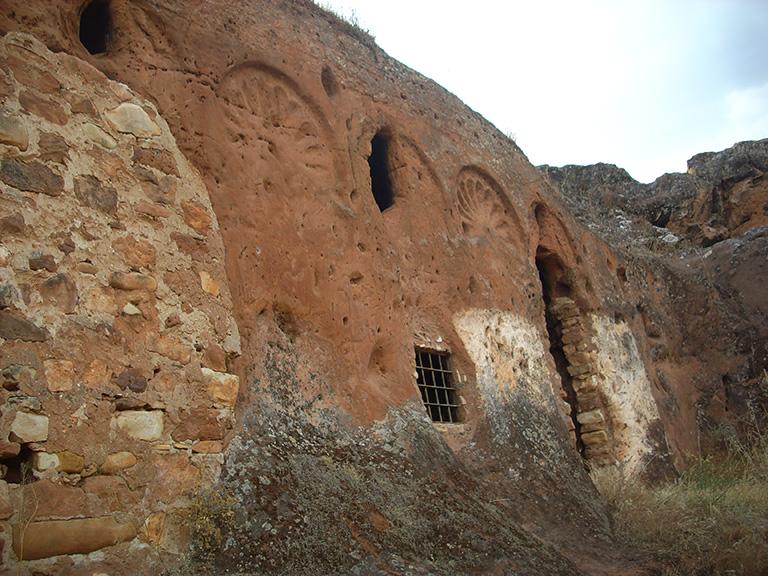 Cuevas de Valdecanales