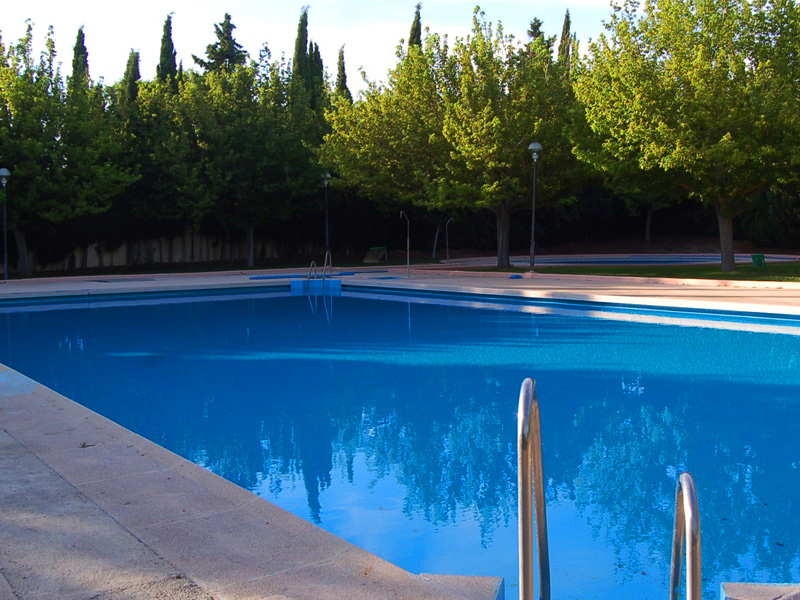 Piscina de san blas gallery of an idyllic outdoor pool on for Piscina de san blas